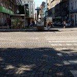 """Пешеходната пътека на """"Дондуков"""", винаги запушена с контейнер за боклук."""