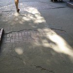 """Улица """"Солунска"""", в частта ѝ към площад """"Славейков"""". Малко прилича на болна от червен вятър."""